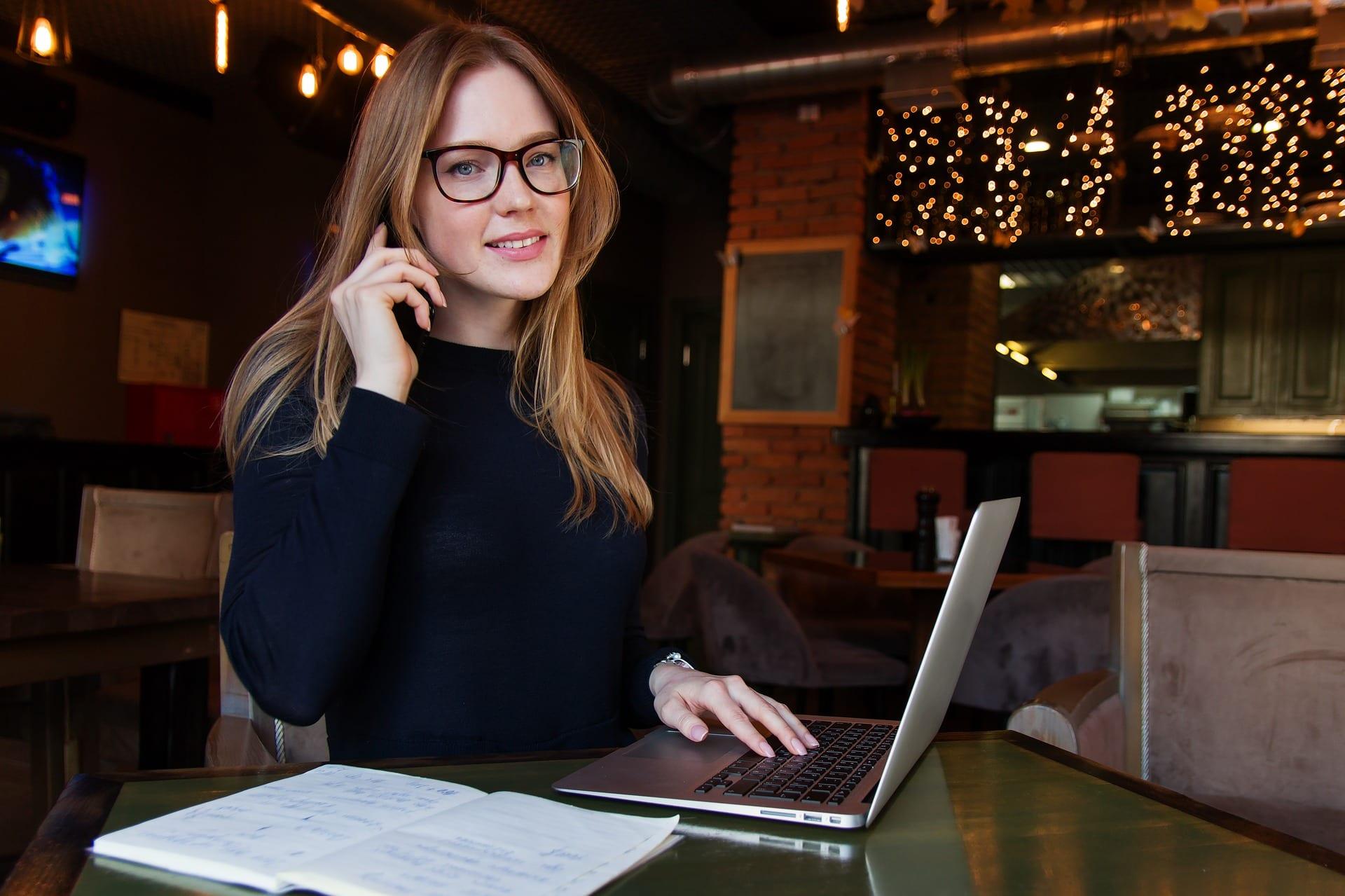Junge Leute lieben Videos. Mit Employer Branding sind Sie einen Schritt voraus.