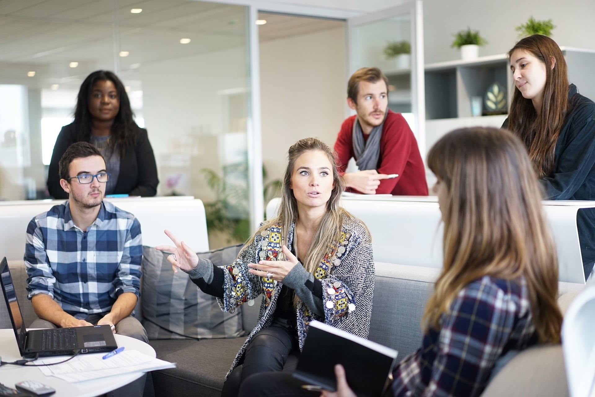 Mit Employer Branding lernen ihre potentiellen Kandidaten bereits die künftigen Kollegen kennen